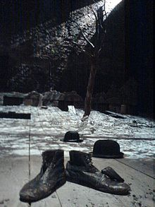 220px-Waiting_for_Godot_set_Theatre_Royal_Haymarket_2009